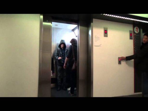 Jedi no elevador, muito engraçado