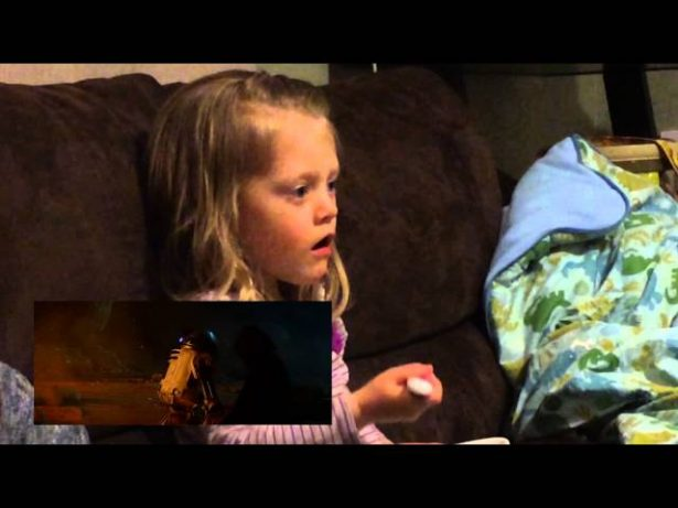 Bebês reagindo ao novo trailer de O Despertar da Força