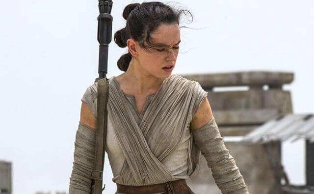 Daisy Ridley diz que identidade de pais de Rey já foi respondida