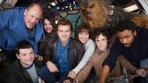 Elenco aparece reunido na primeira foto do filme do Han Solo