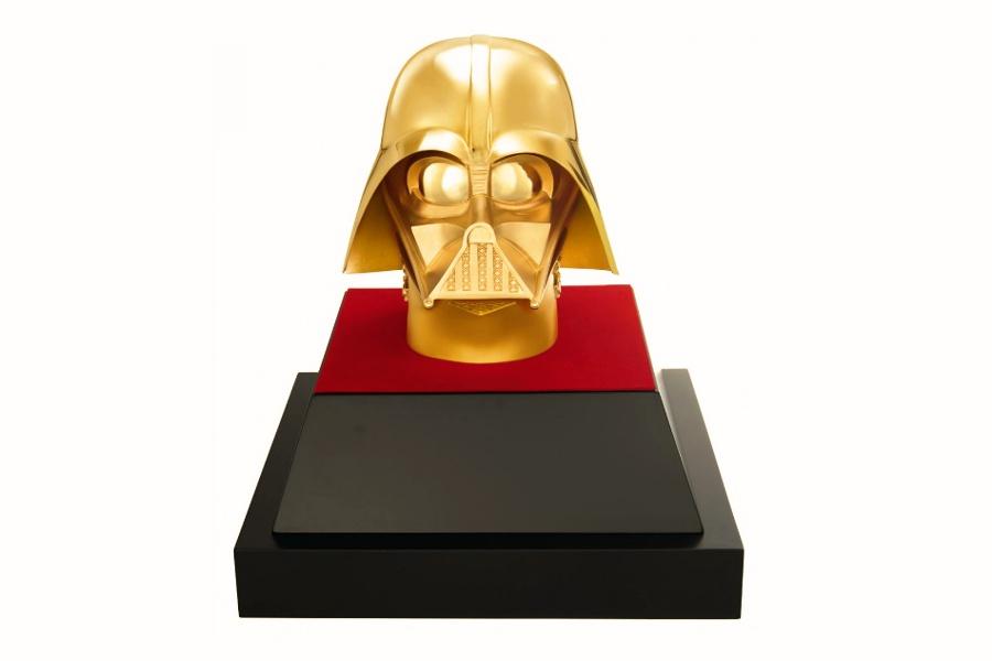 Máscara de ouro de Darth Vader está à venda por US$ 1,39 milhão em Tóquio